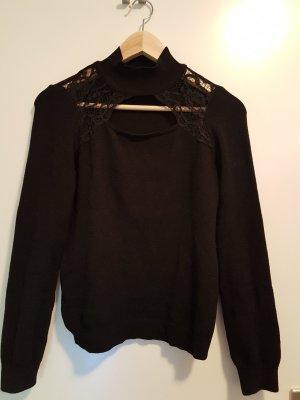 schwarzer angenehmer Pullover