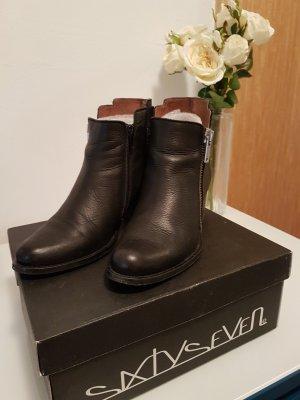 schwarzer Ankle Boot