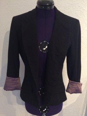 Schwarzer Blazer mit schwarz-rosa gestreiften Satin Innenstoff