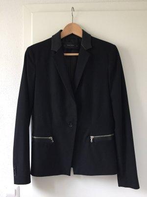 Schwarzer Blazer von Zara mit Lederdetails