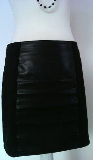 Schwarzer Bleistift Lederrock aus Velours-, und Glattlederimitat