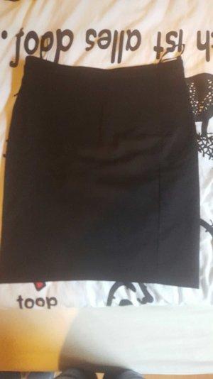 schwarzer bleistiftrock