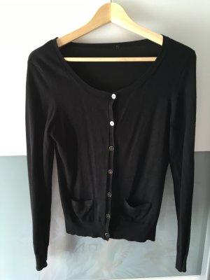 Schwarzer Cardigan mit schwarz-sibler Knöpfen
