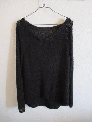 Schwarzer dünner löchriger Pullover