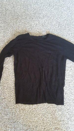 Schwarzer, dünner Pullover