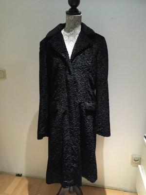 Comma Between-Seasons-Coat black
