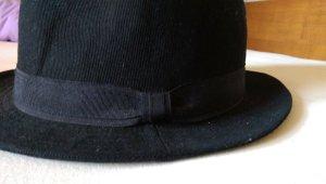 Schwarzer edler Hut mit Band