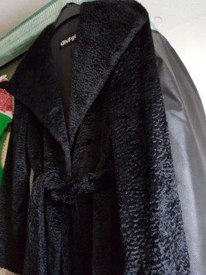 """schwarzer """"fake fur"""" Mantel , schön schwingend mit Bindegürtel"""