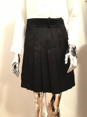 Schwarzer Faltenrock von Zara S