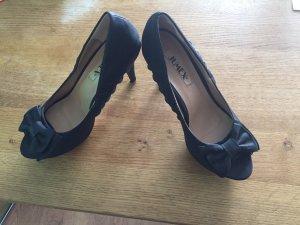 Schwarzer High Heel