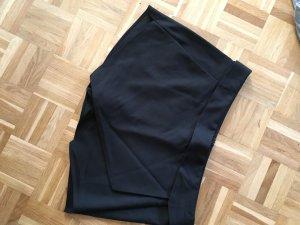 Schwarzer Hosenrock von Zara
