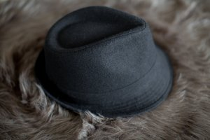 Trilby black wool