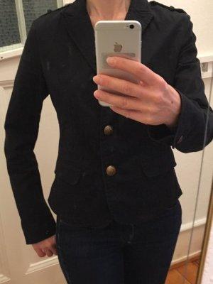 Schwarzer Jacke, Reply