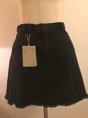 Schwarzer Jeans Rock Fransen