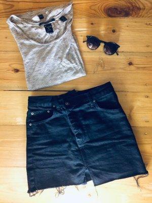 schwarzer Jeansrock asymmetrisch