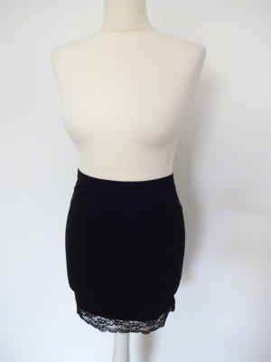 schwarzer Jerseyrock mit spitzeneinsatz