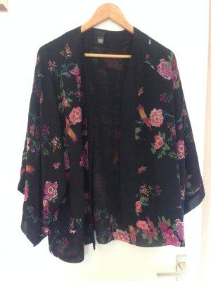 Schwarzer Kimono mit Blumendruck