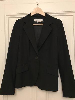 Schwarzer klassischer Business-Blazer von Zara