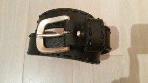 schwarzer (Kunst-)Ledergürtel