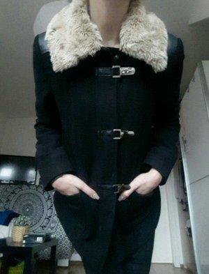 schwarzer kurzer Mantel Primark