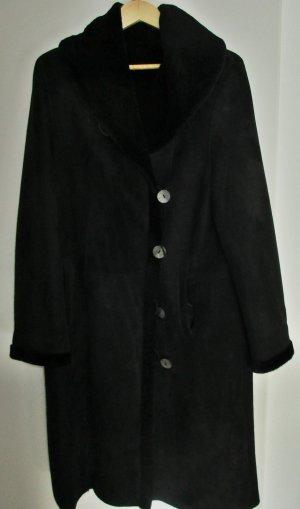 Pelt Coat black fur