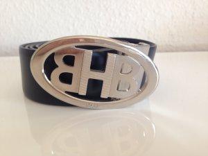 Schwarzer Ledergürtel mit Emblem Schnalle Hugo Boss