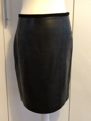 Massimo Dutti Leather Skirt black