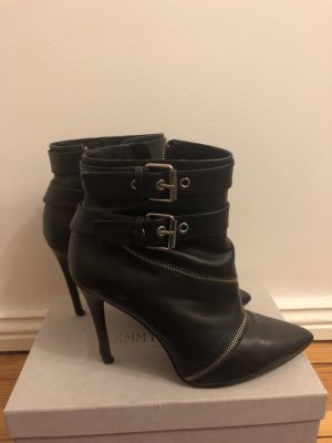 Schwarzer Lederschuh von Zara mit Zippen