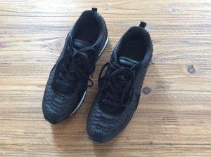 Schwarzer Ledersneaker von Zara - neu