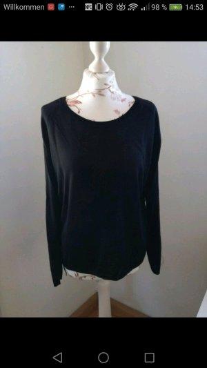 Schwarzer, leichter Pullover
