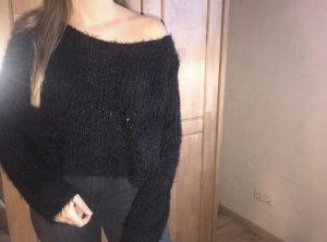 Schwarzer leichter Pullover