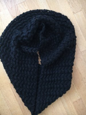 Knitted Scarf black wool