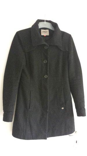 Schwarzer Mantel aus Wolle