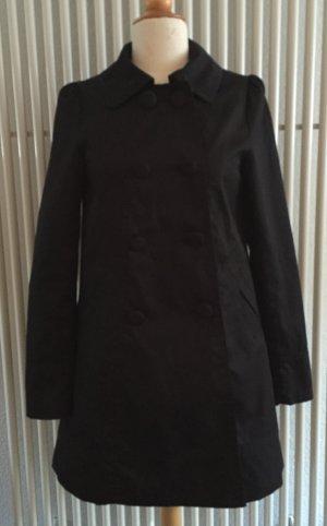 Schwarzer Mantel mit leichten Puffärmeln von H&M