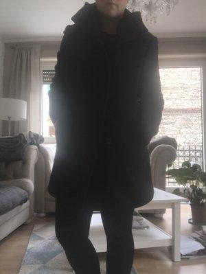 Schwarzer Mantel von Basler