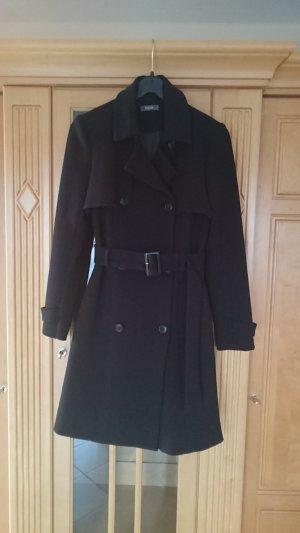 Schwarzer Mantel von Kiomi