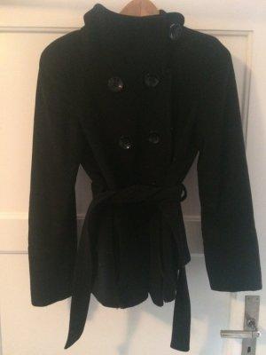 Schwarzer Mantel von Zara