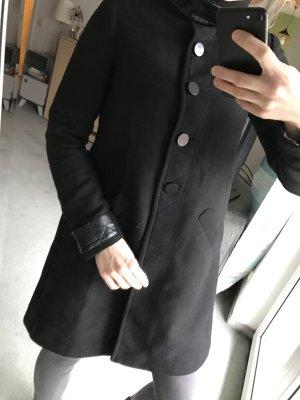 Schwarzer Mantel Zara Größe 34/36