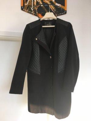 Schwarzer Mantel zu verkaufen
