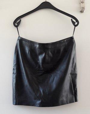 schwarzer Minirock aus weichem Lammleder *wie neu*