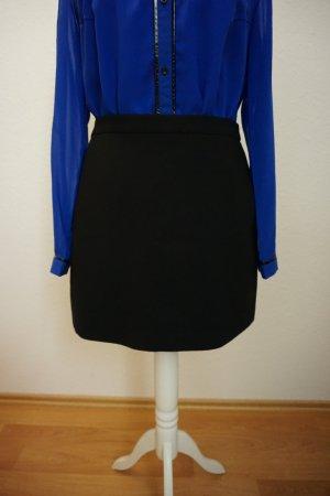 schwarzer Minirock, klassischer Minirock von Zara