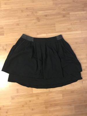 Schwarzer Minirock von H&M