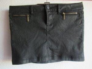 schwarzer Minirock von LTB, perfekt zum weggehen=) Größe M