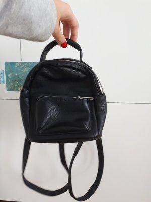 schwarzer Minirucksack