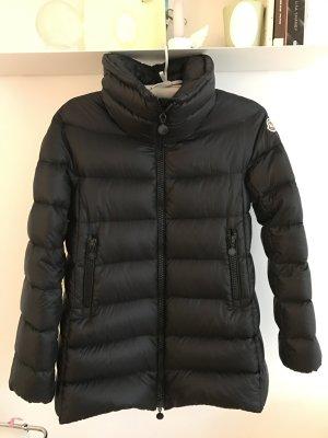 Schwarzer Moncler Mantel Gr 2