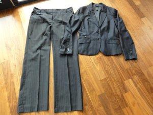 Schwarzer Nadelstreifen-Anzug von Esprit Collection - Gr. 40/42