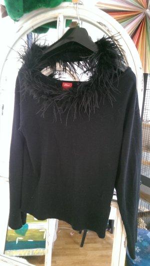Schwarzer, neuwertiger Pullover mit abnehmbaren Flauschkragen von S.Oliver in Gr.38/40 !