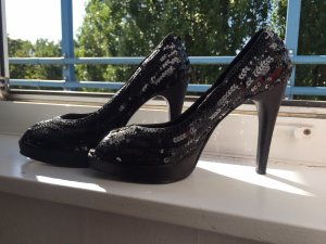 Peep Toe Pumps black