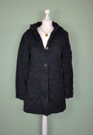Schwarzer Parker / Mantel mit vielen Taschen