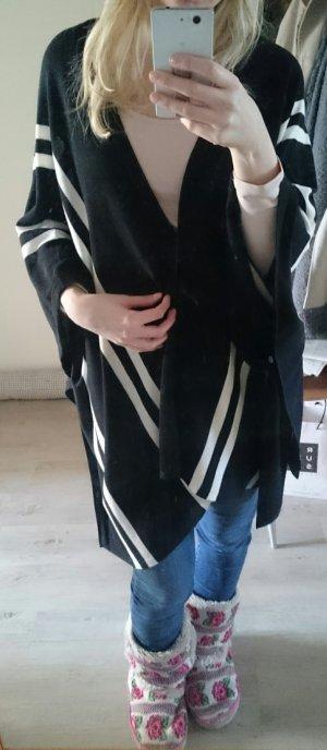 schwarzer Poncho mit Streifen